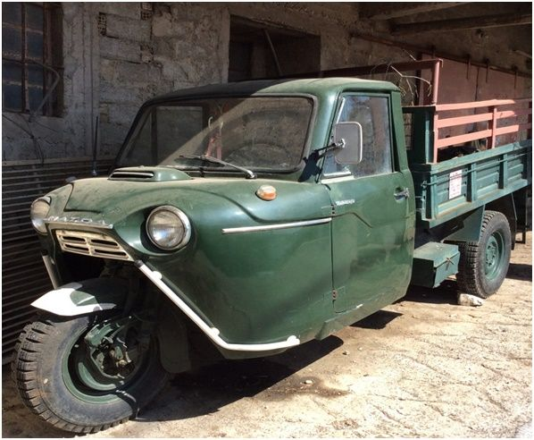 MAZDA  Dreirad gebaut ca. 1950 / gefunden  2016 – Kerkyra – Chlomos